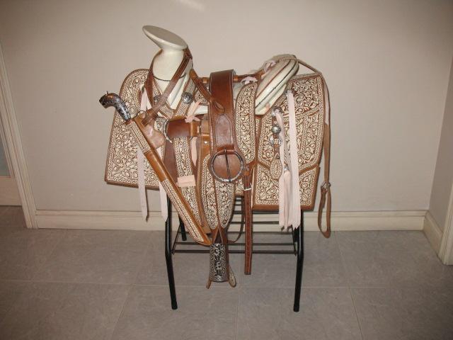 Monturas y caballos sillas de montar venta de caballos party invitations ideas - Silla montar caballo ...